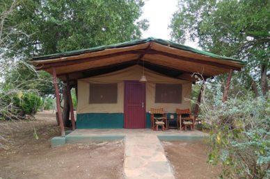 Campo tendato parco Tsavo Est